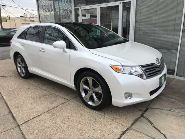 Pre-Owned 2012 Toyota Venza Limited V6 AWD