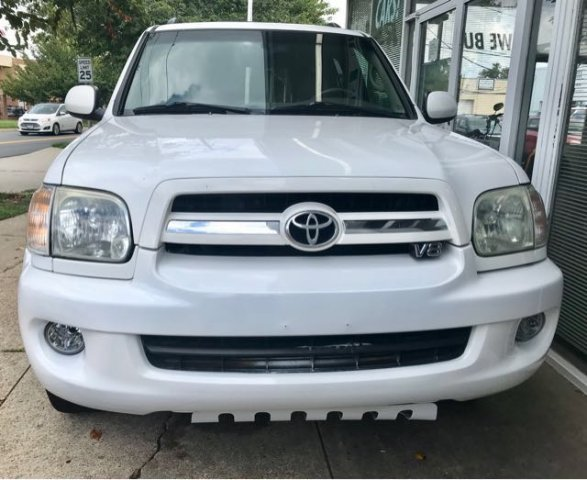 Pre Owned 2005 Toyota Sequoia SR5