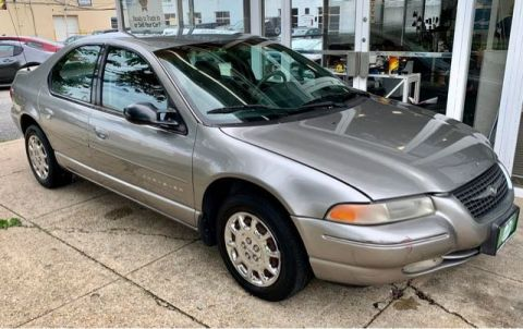 Pre-Owned 1999 Chrysler Cirrus Lxi