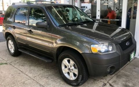 Pre-Owned 2005 Ford Escape XLT 4WD