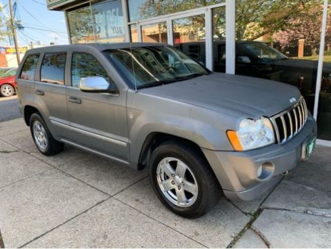 Pre-Owned 2006 Jeep Grand Cherokee Overland