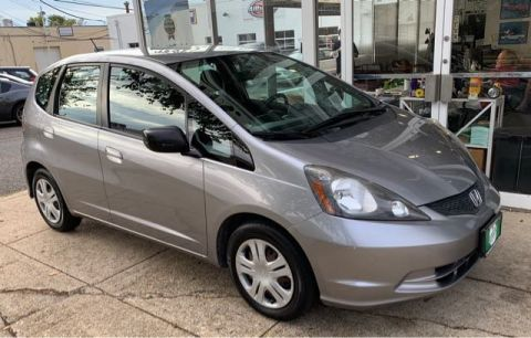 Pre-Owned 2009 Honda Fit 5-Speed MT