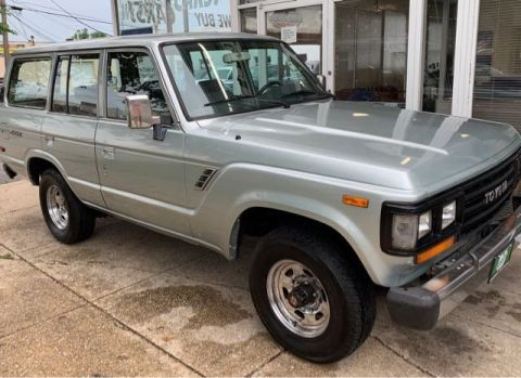 Pre-Owned 1988 Toyota Land Cruiser 4WD